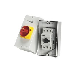 Covers - for circuit breakers
