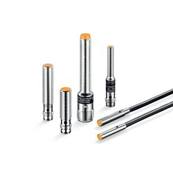 Small cylindrical designs